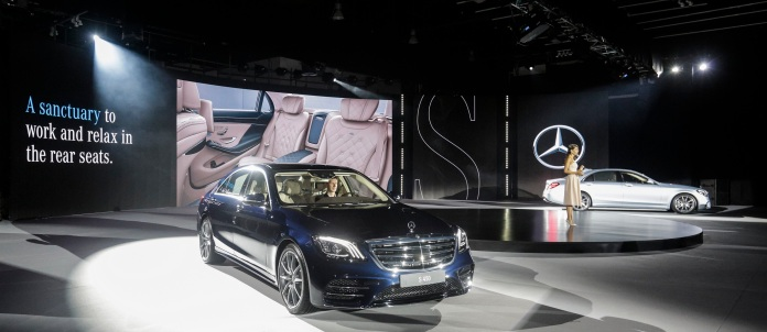 New-Mercedes-Benz-S-Class-arrives-in-style-for-Middle-East-launch-in-Abu-Dhabi